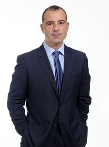 Luke Uribe-Etxebarria Apalategi